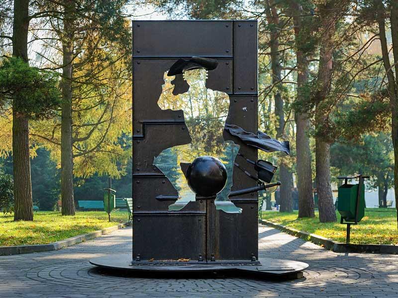 Памятник барону Мюнхгаузену Калининград