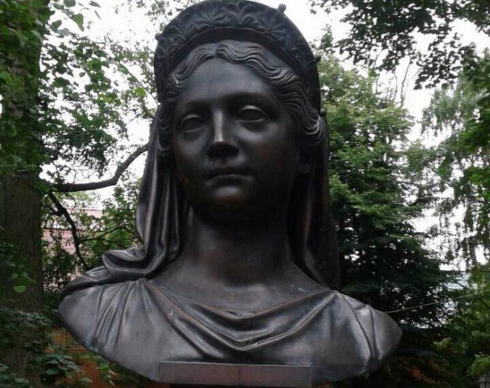 Бюст королевы Луизы