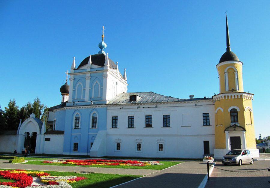Ново-Голутвинский женский монастырь