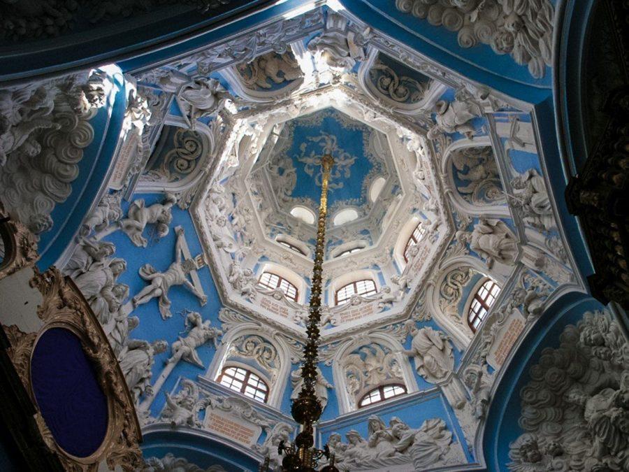 Знаменская церковь внутри Дубровицы