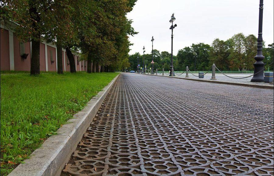 Чугунная мостовая в Кронштадте