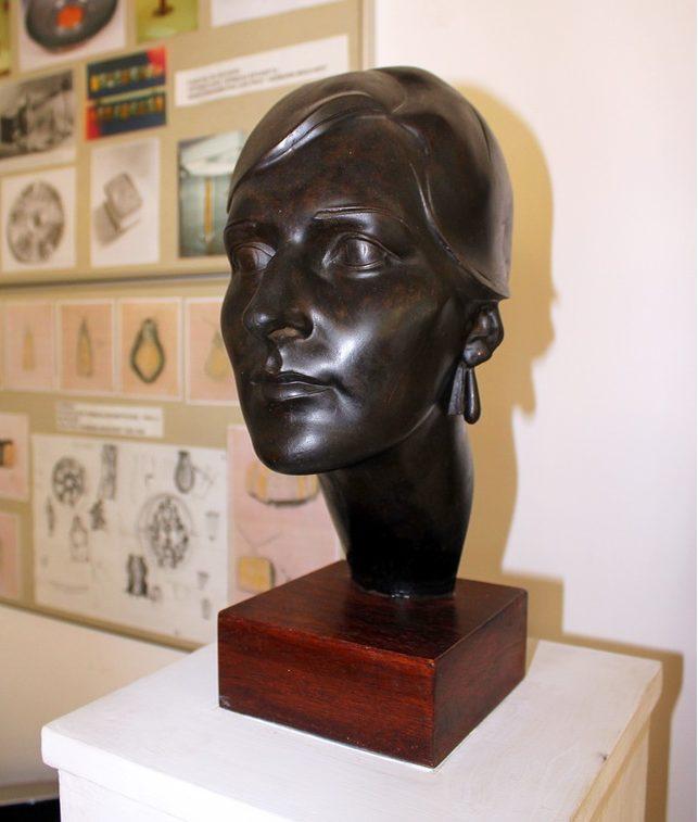 Скульптура Брахерта