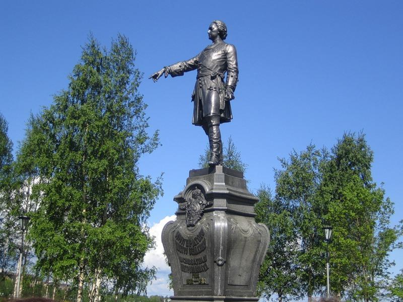 Памятник Петру I в Петрозаводске