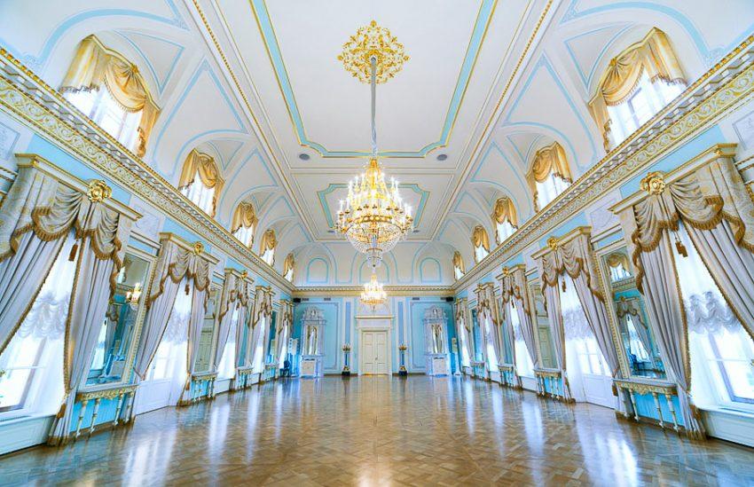 Константиновский дворец Голубой зал