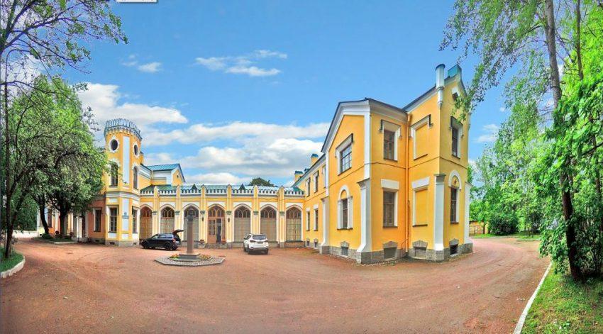 Львовский дворец Стрельна