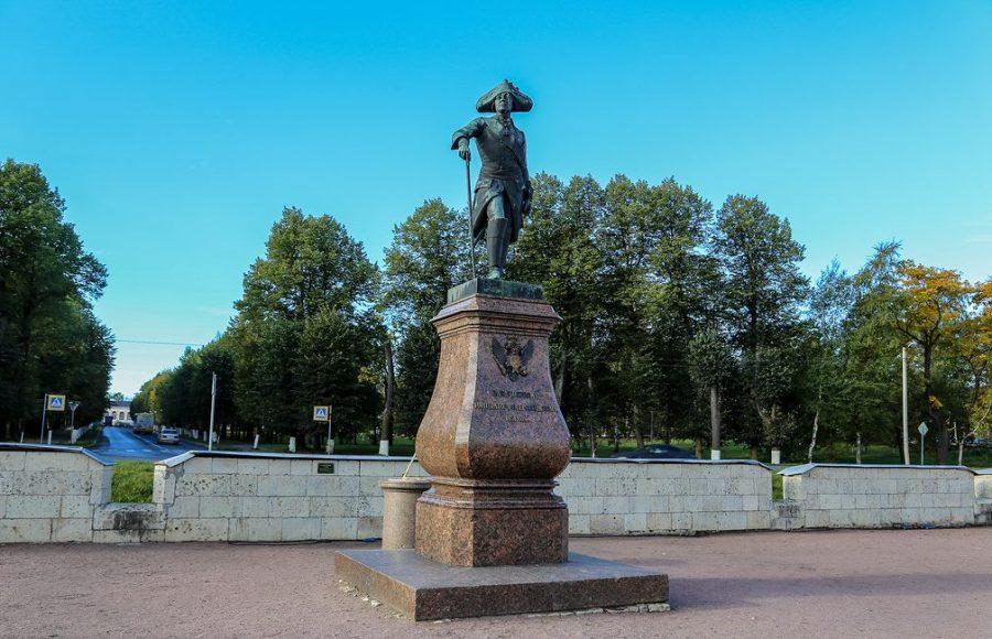 Памятник императору Павлу в Гатчине