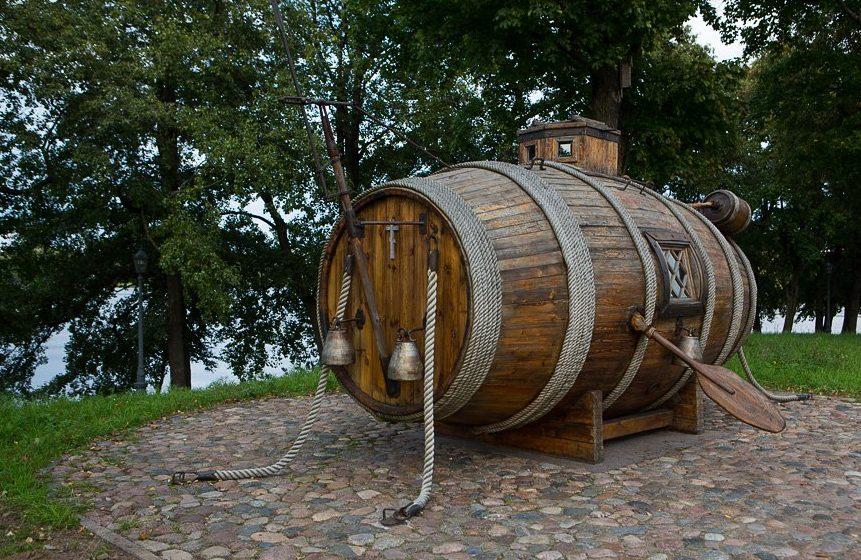 Памятник первой подводной лодке Сестрорецк