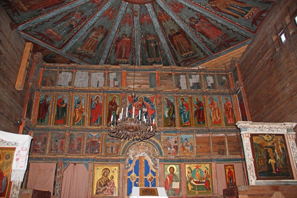 Успенская церковь внутри Кондопога