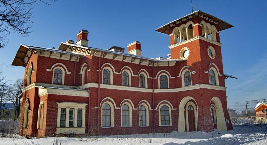 Железнодорожный вокзал Стрельна