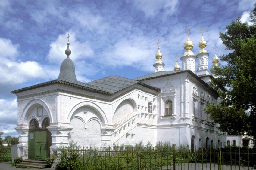 Церковь жен мироносиц Великий Устюг