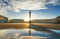Дворцовая площадь в Санкт-Петербурге: главные достопримечательности