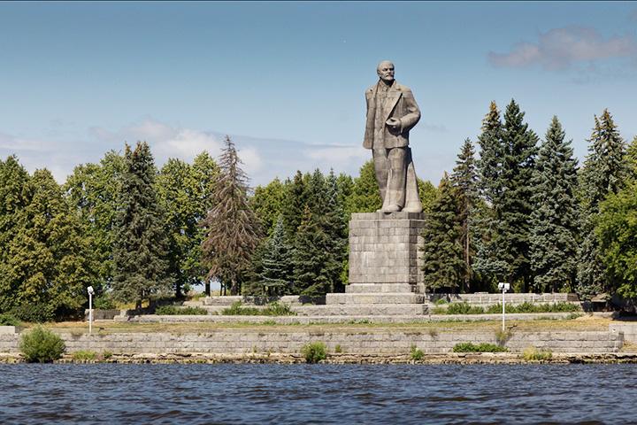 Памятник Ленину Дубна