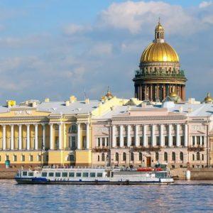 Достопримечательности Санкт-Петербурга: дворцы, мосты, памятники