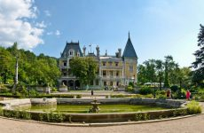 Достопримечательности Массандры: винзавод и дворец