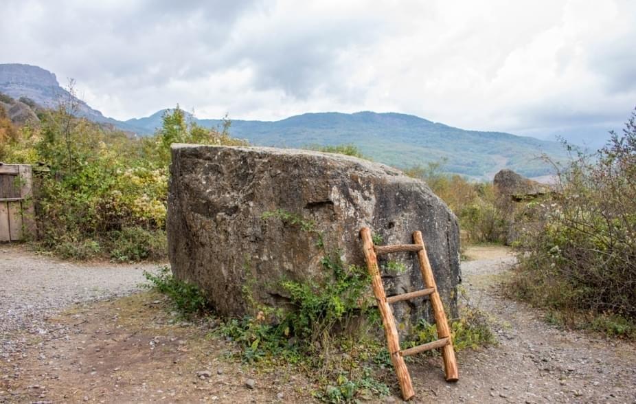 Камень Натальи Варлей