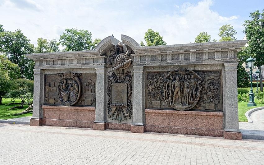 Стена в честь российских полководцев