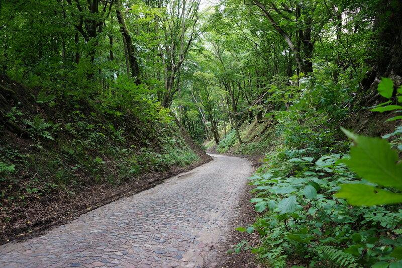 Замок Бальга старинная дорога