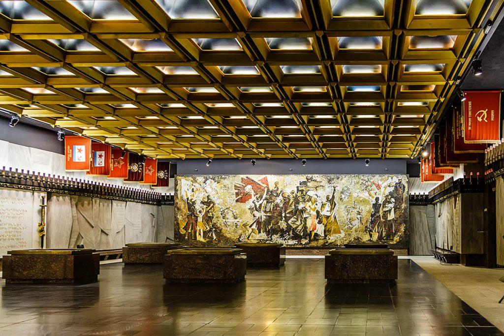 Подземный зал Ленинград