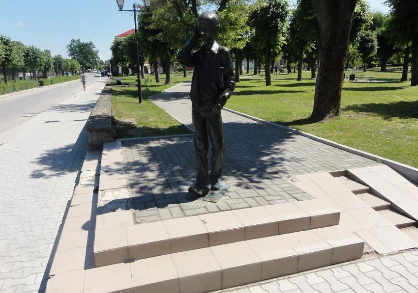 Скульптура лицеиста Гусев