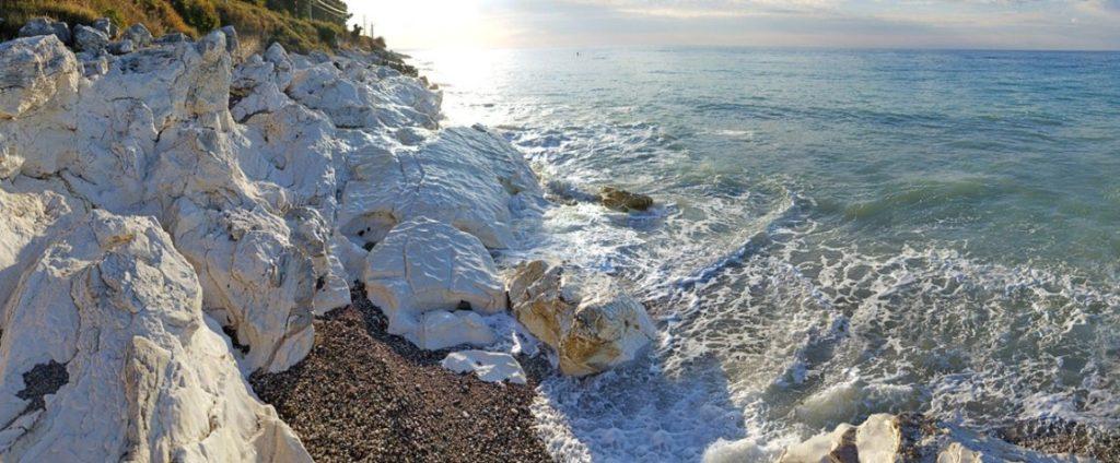 Белые скалы Абхазия