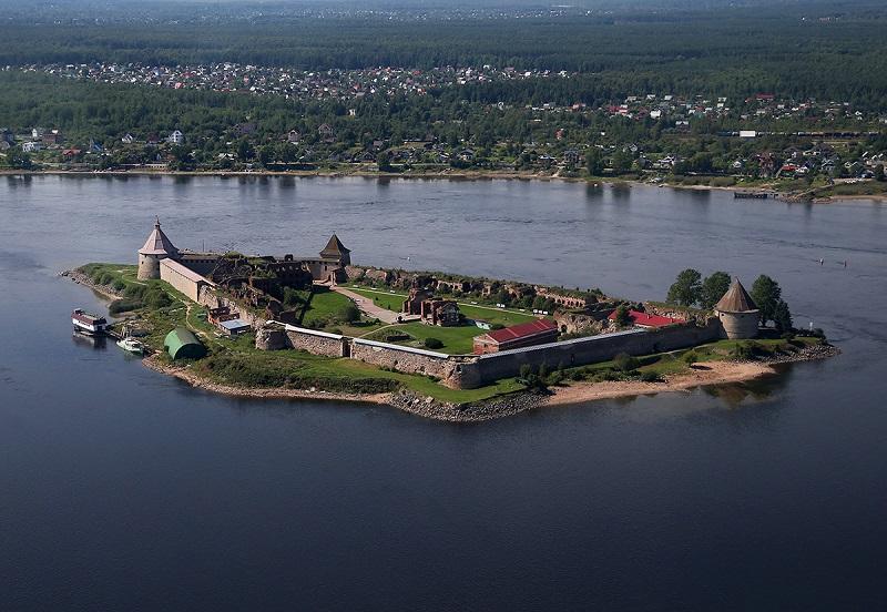 Достопримечательность Шлиссельбурга- крепость Орешек
