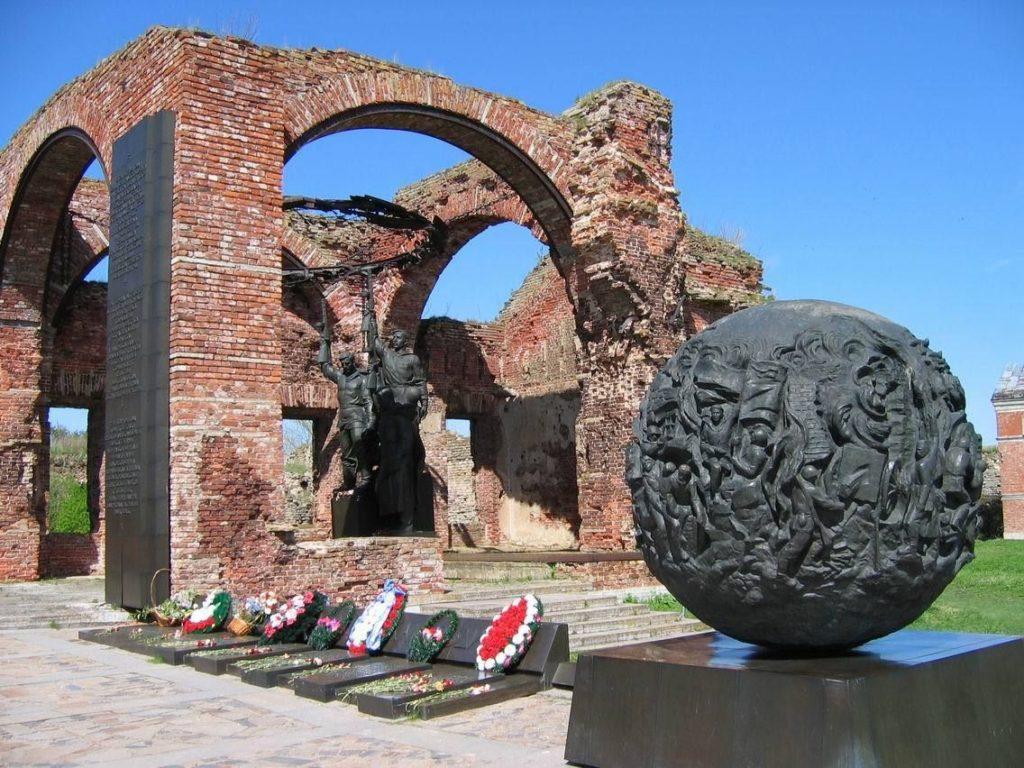 Мемориал в крепости Орешек