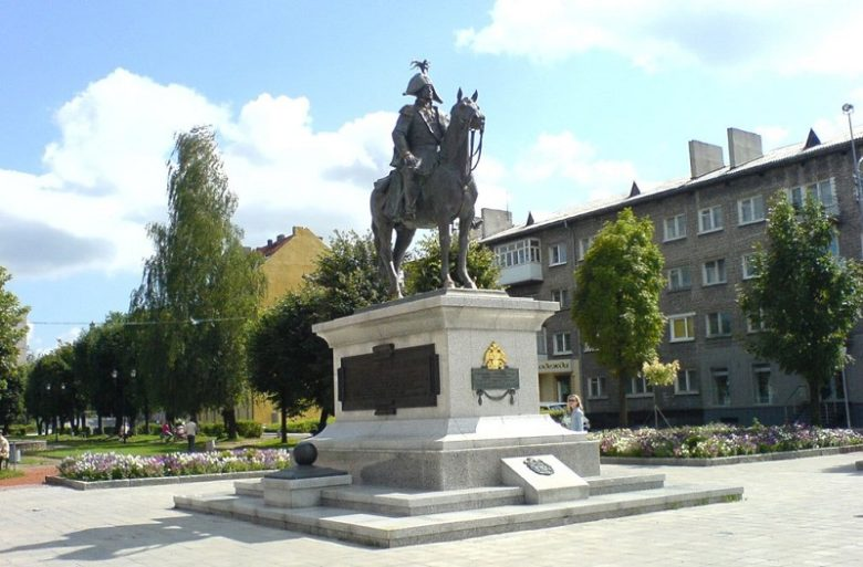 Памятник Барклаю де Толли в Черняховске