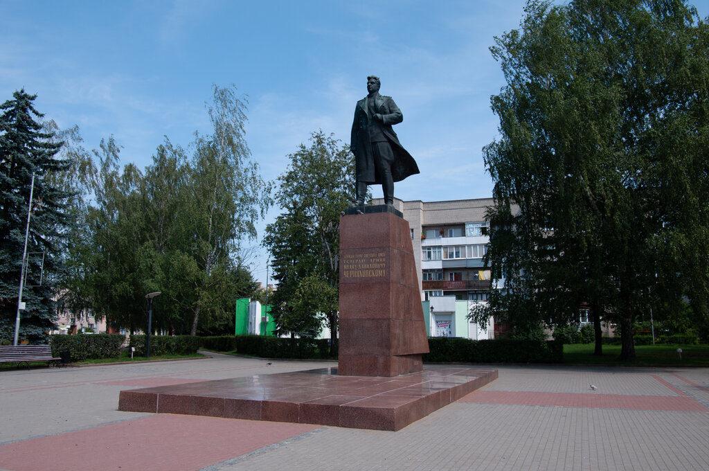Памятник Черняховскому в Черняховске