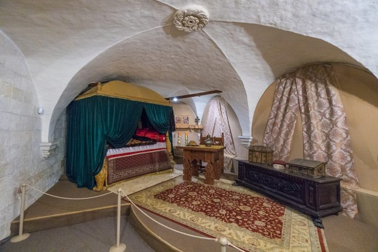 Сенник постельный Александров