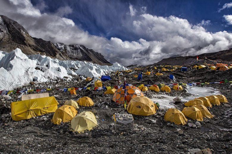 Базовый лагерь на Эвересте
