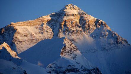 7 вершин мира: список и расположение высочайших точек материков