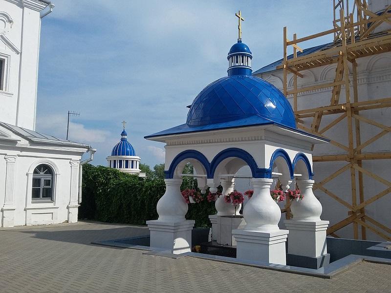 Киворий Боголюбского монастыря