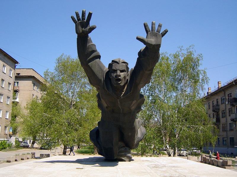 Памятник Михаилу Паникахи