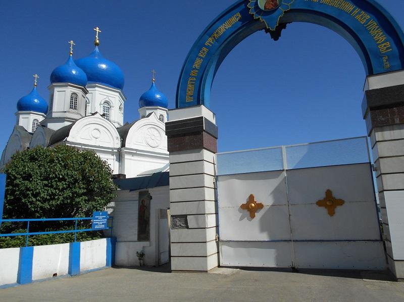 Врата Боголюбского монастыря