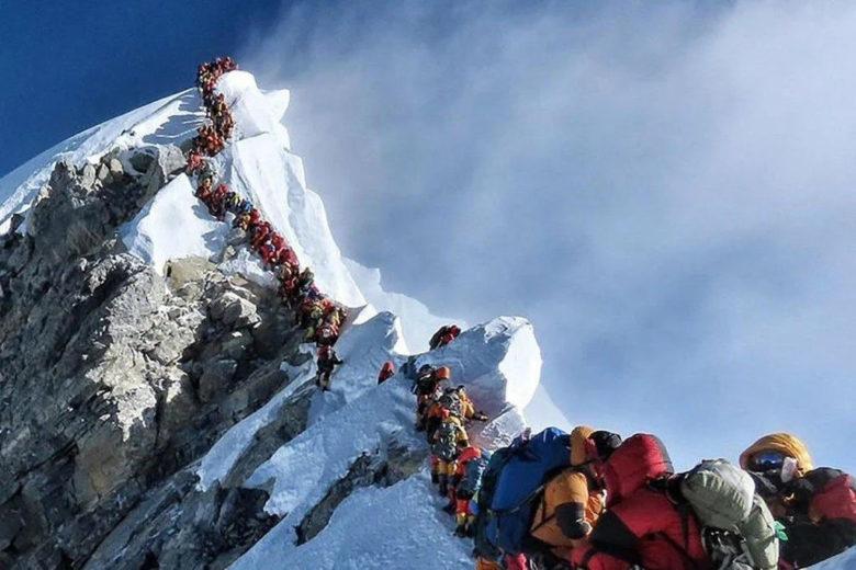 Очередь на Эверест 2019 год
