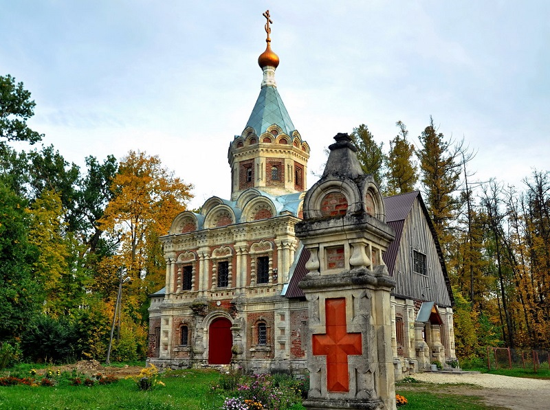 Церковь Александры Царицы Муромцево