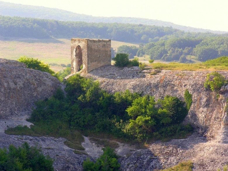 Башня Кыз-Куле Крым