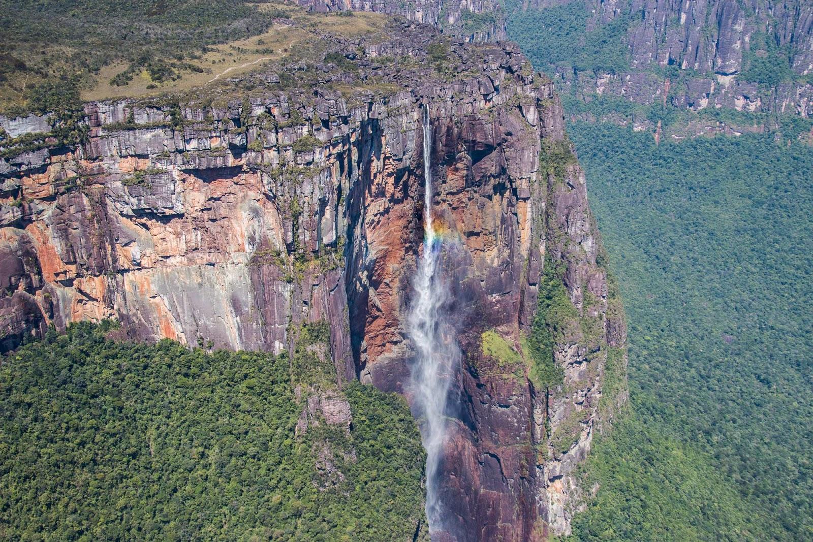 натяжные потолки самый высокий водопад в мире фото подтверждение этого