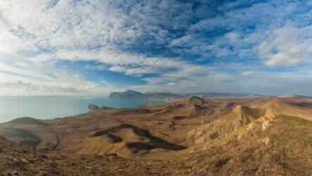 Коктебель: достопримечательности края голубых холмов