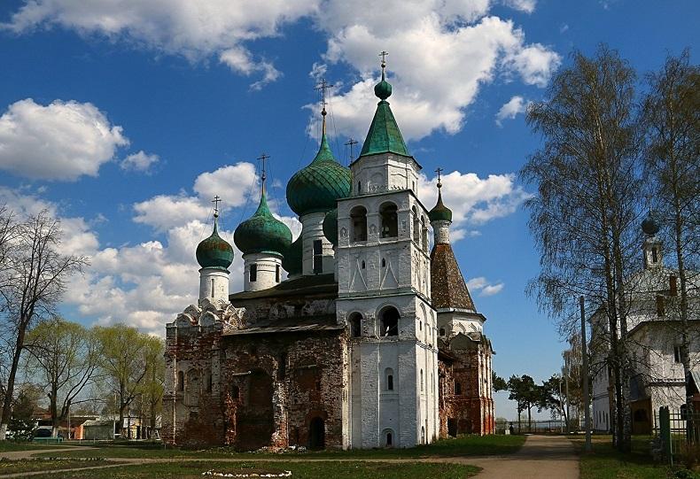 Авраамиев-Богоявленский монастырь в Ростове