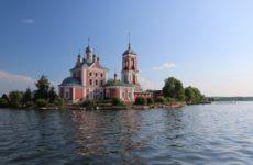 Достопримечательности Переславля-Залесского: Плещеево озеро и старинные монастыри