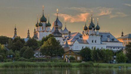 Достопримечательности Ростова Великого: кремль и озеро Неро