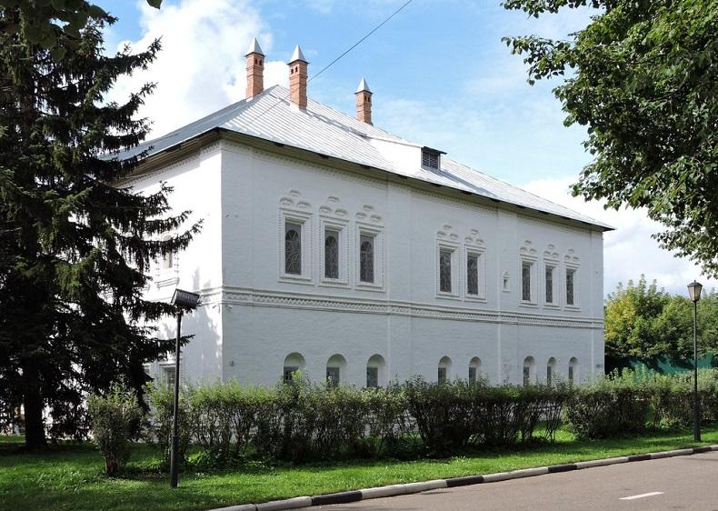 Митрополичьи палаты