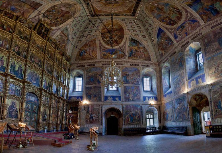 Спасо-Преображенский собор в Угличе внутри