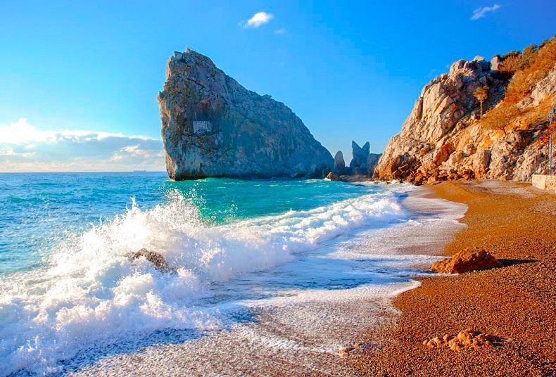 В Крыму официально открылся туристический сезон