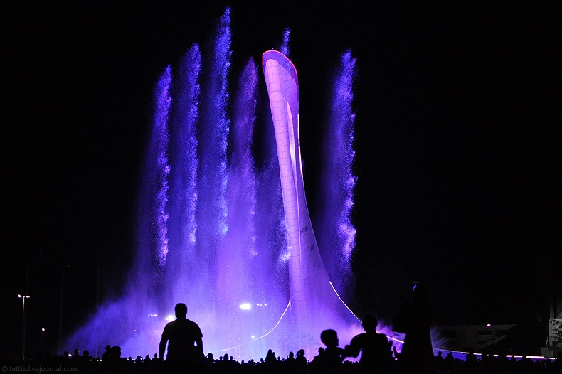 Поющие фонтаны Сочи