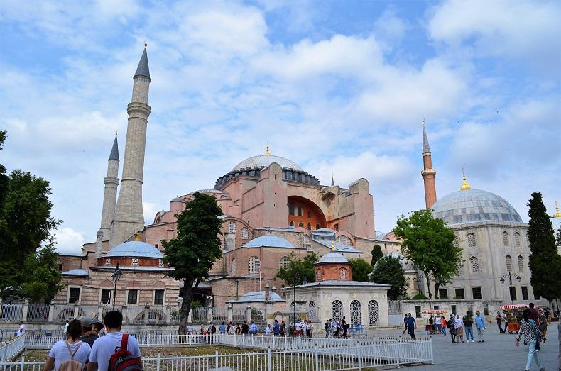 Собор Святой Софии стал мечетью