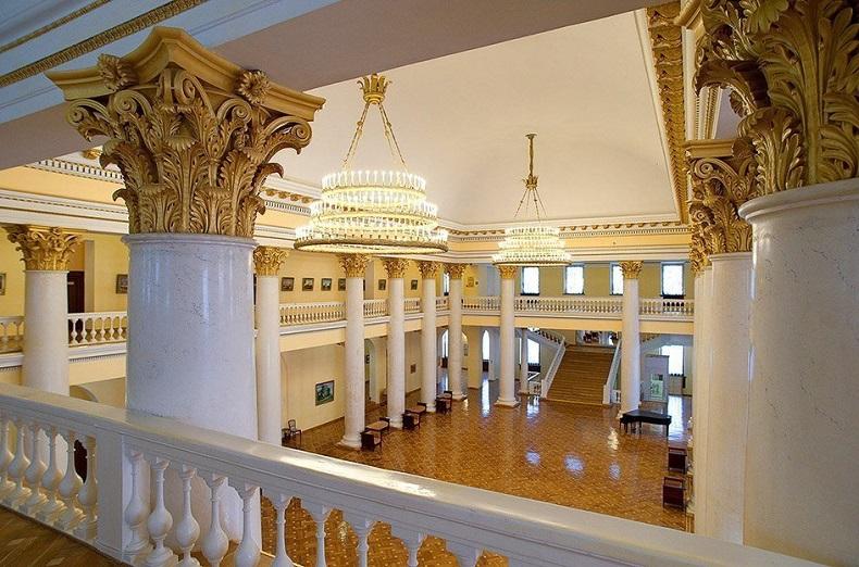 Зимний театр внутри Сочи