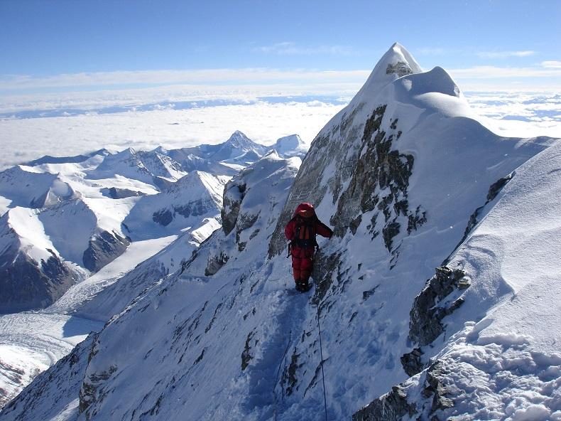 Эверест откроют туристам