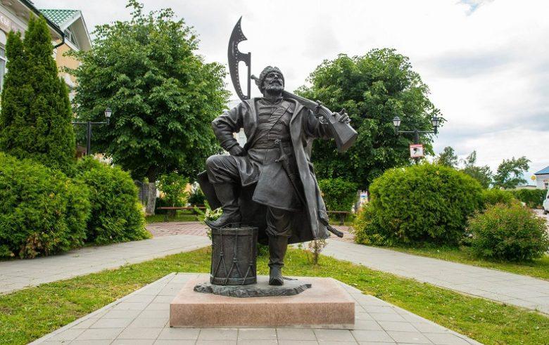 Памятник стрельцу Кашира